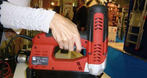 clouteur électrique